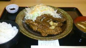 とんとん食堂「三重県産豚肉!!とんてき定食」
