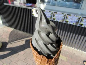 ブラックソフトクリーム